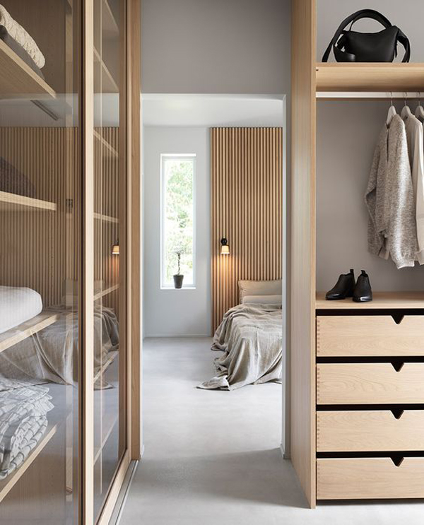 elegant-walk-in-closet-bedroom
