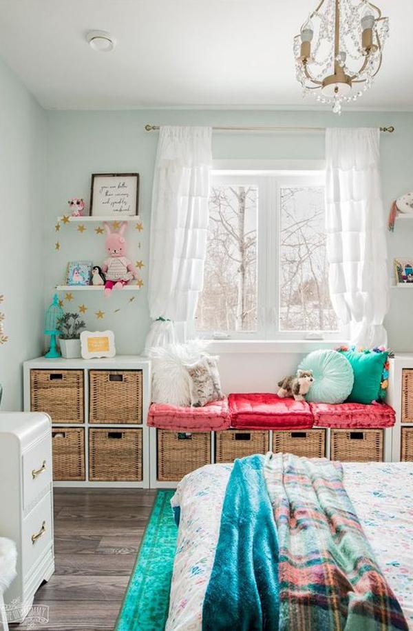 kids-bedroom-with-ikea-kallax-toy-storage