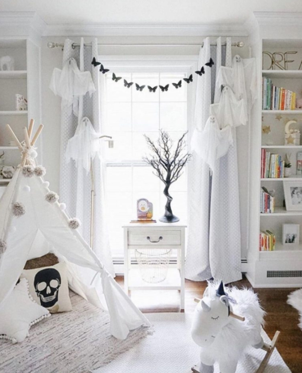 kids-halloween-interior-with-tents