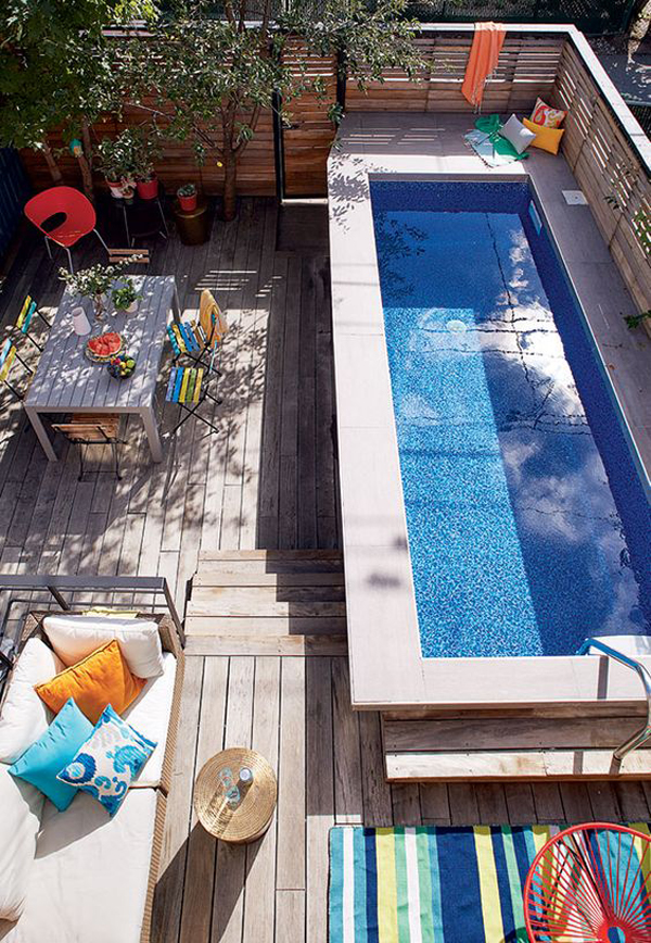 outdoor-rooftop-pool-deck-for-family-retreat