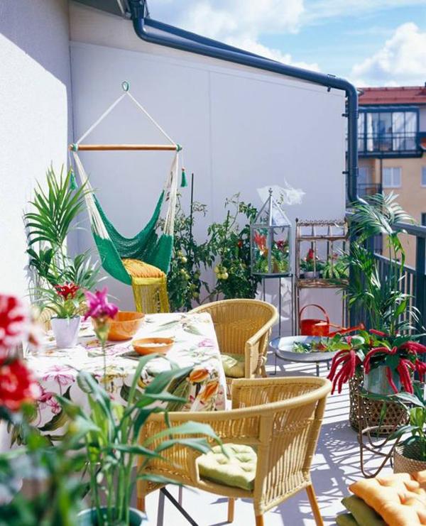 picnic-dining-balcony-with-hammock