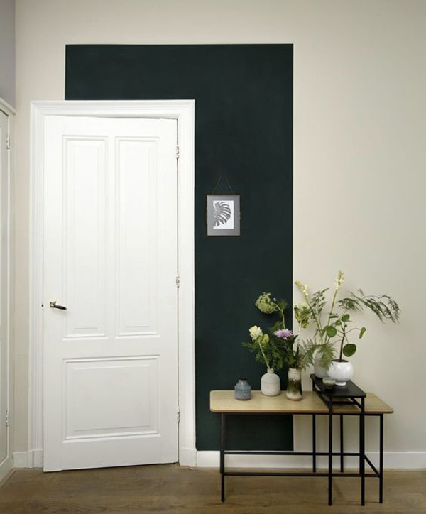 white-and-black-door-color-blocking