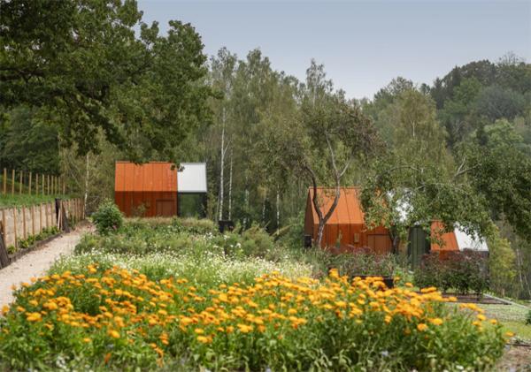 ziedlejas-wellness-resort-garden-ideas