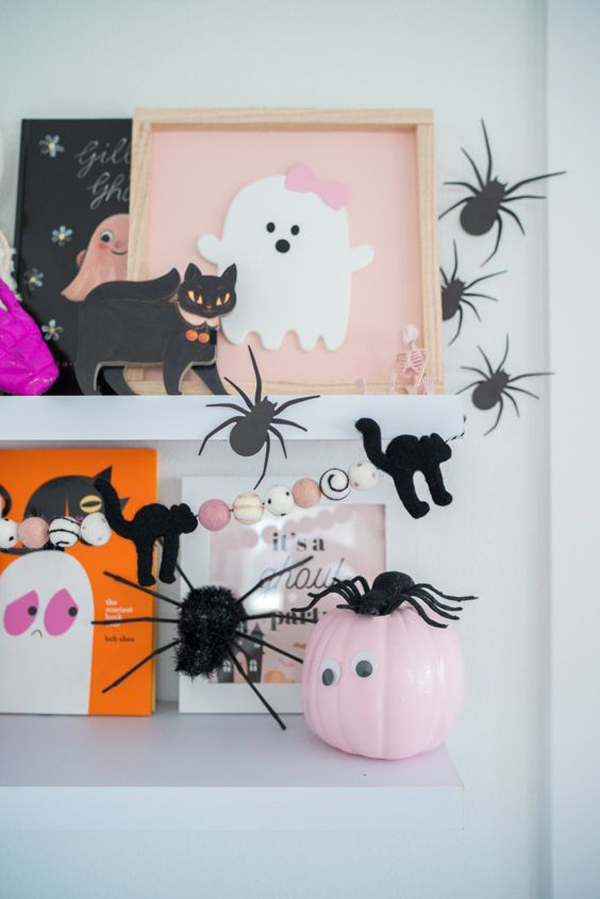 adorable-pink-halloween-wall-decoration