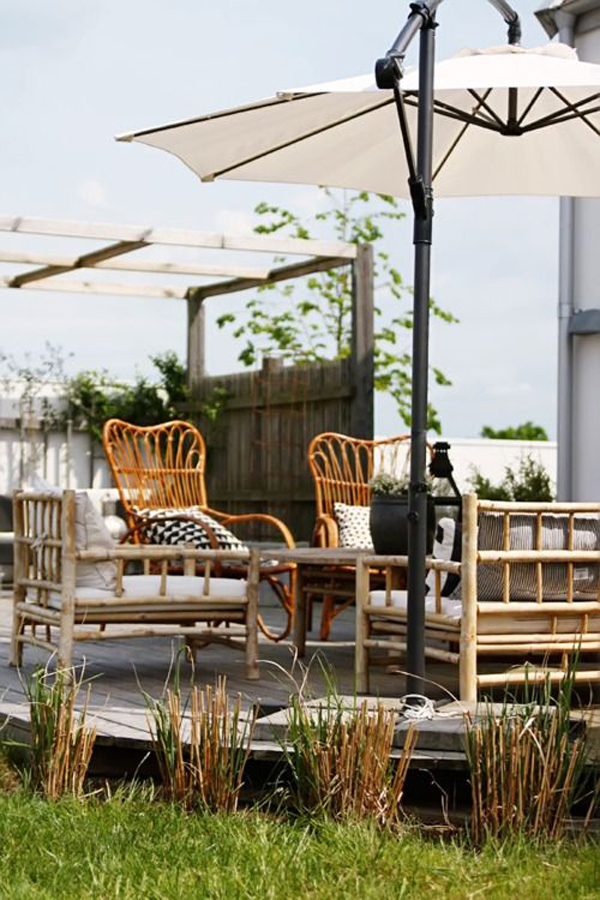 beautiful-outdoor-living-space-with-rattan-furniture