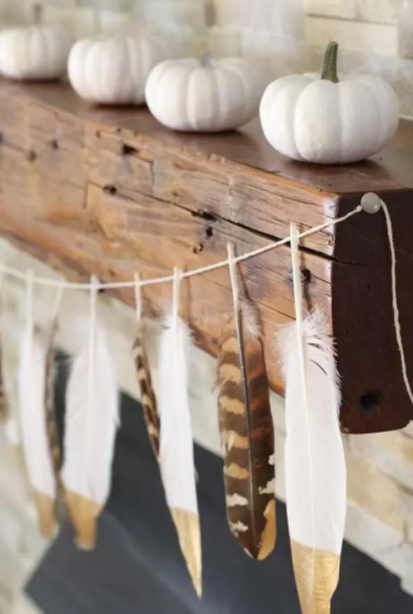 boho-pumpkin-decor-with-feather-garland