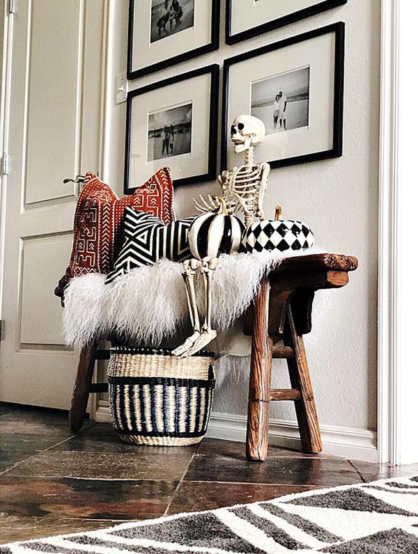 boho-skeleton-in-the-bench