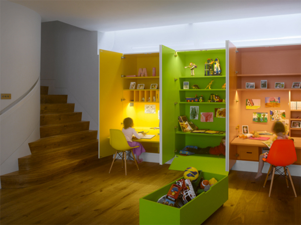 colorful-shared-kids-study-room-for-three