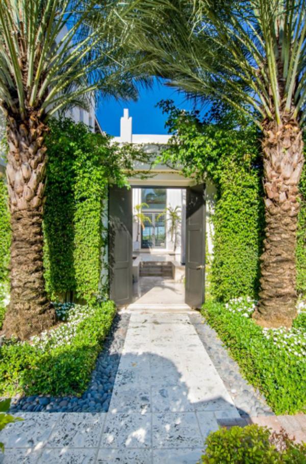 lush-tropical-entrance-designs