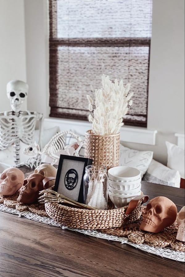 minimalist-boho-halloween-decor