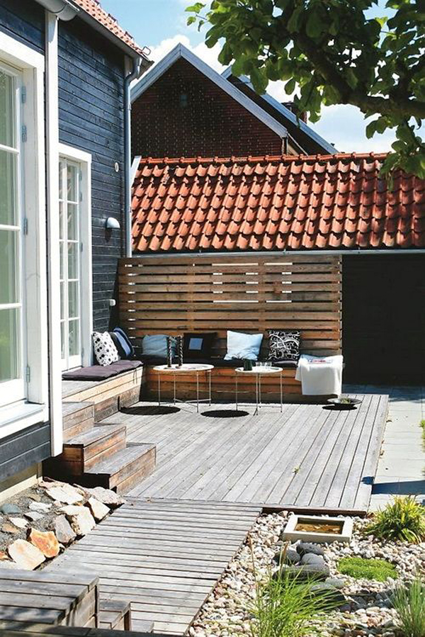 modern-decking-living-space-in-the-backyard