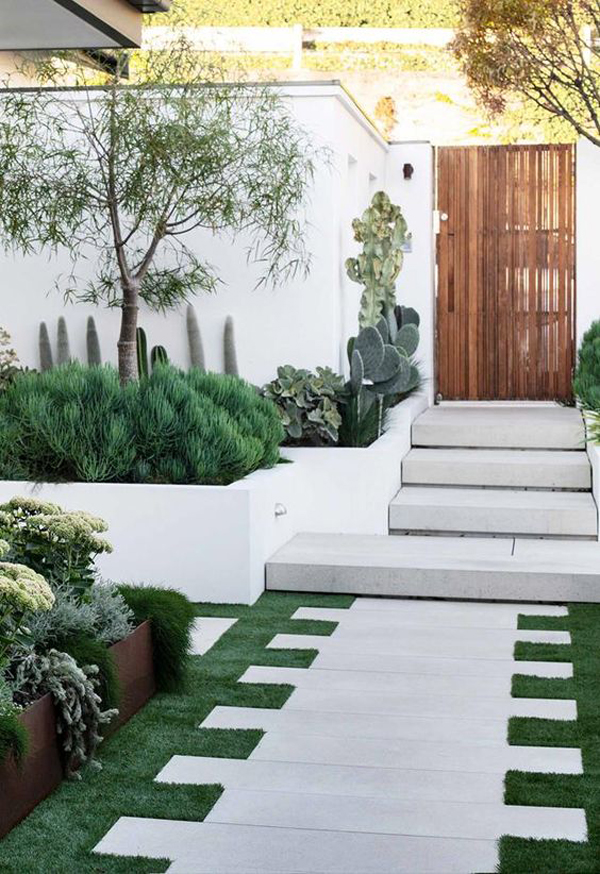 natural-entrance-design-with-succulent-garden