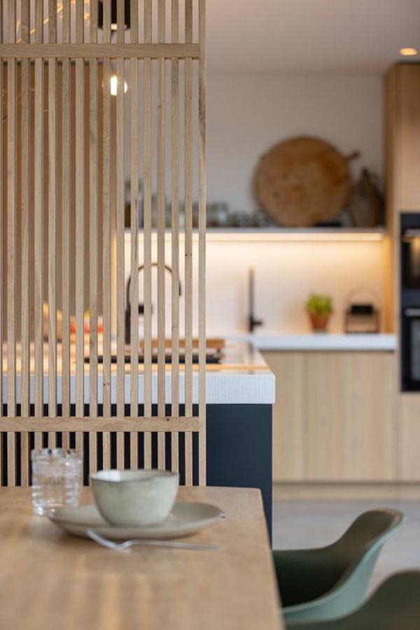 oak-wood-room-dividers