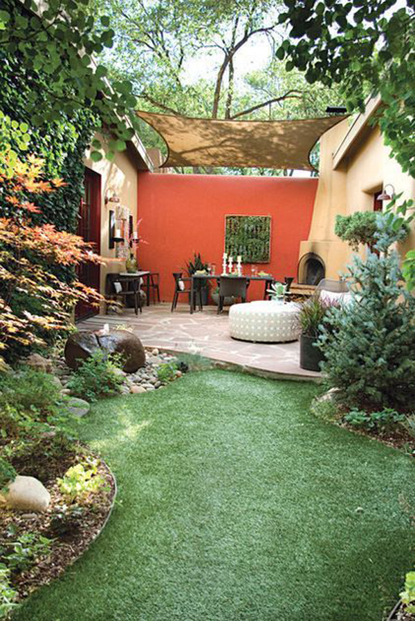 outdoor-grass-patios-with-terracota-wall-color