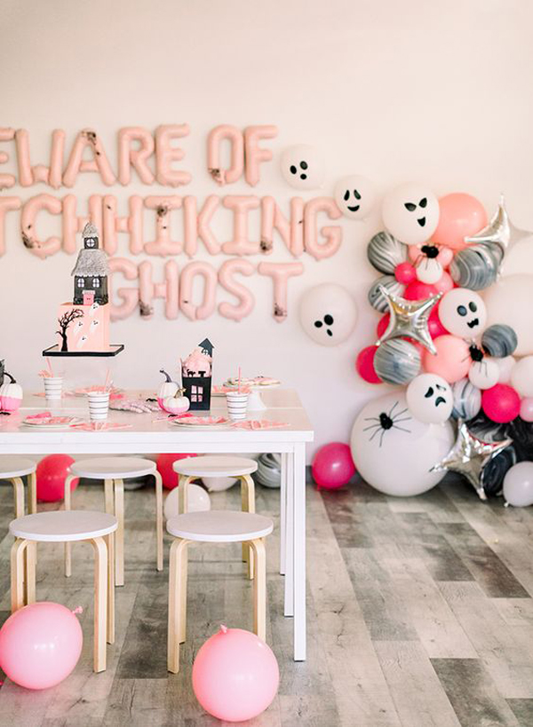 pink-halloween-table-decoration-for-kids
