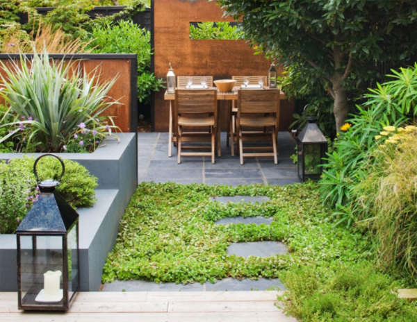 10 Grass Patios And Gardens For Urban Retreat