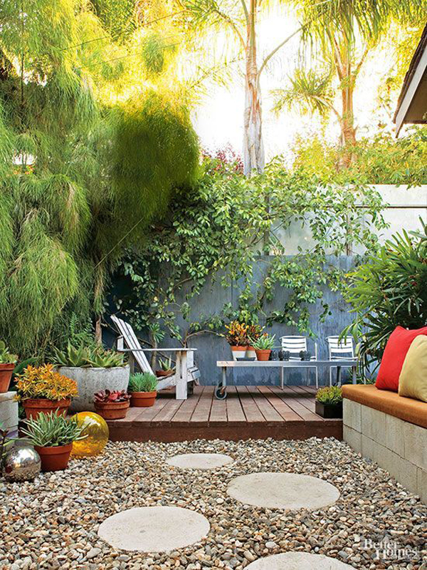 small-backyard-deck-with-outdoor-living-space