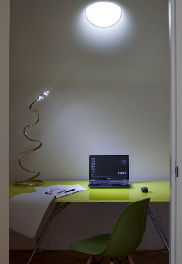 small-home-office-with-natural-light