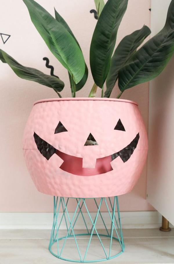 spooky-pink-halloween-planter-pots