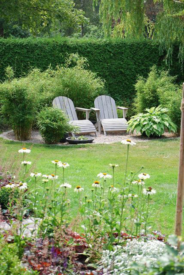 urban-grass-garden-landscapes-with-seating-area