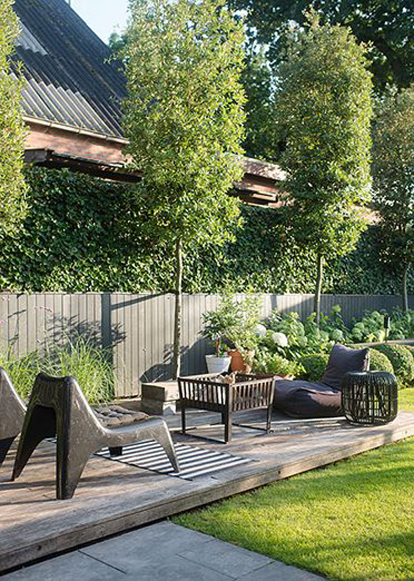 urban-outdoor-patios-and-living-space-with-grass-and-decking